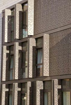 art minimaliste et l'architecture Kinetic Architecture, Architecture Design, Minimalist Architecture, Gothic Architecture, Facade Design, Architecture Today, Parking Building, Building Facade, Building Skin