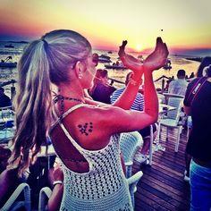 Pôr do sol no Café del Mar em Ibiza rival com o de Oia em Santorini… Dificil dizer qual o mais lindo!!! #sunset #cafedelmar #cafedelmaribiza #sanantonio #ibiza2014 #loveibiza #Ibiza #nightlife Check more at http://www.voyde.fm/photos/international-party-cities/por-do-sol-no-cafe-del-mar-em-ibiza-rival-com-o-de-oia-em-santorini-dificil-dizer-qual-o-mais-lindo-sunset-cafedelmar-cafedelmaribiza-sanantonio-ibiza2014-loveibiza-%f0%9f%98%83%f0%9f%91/