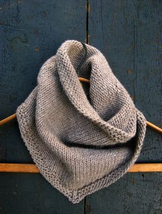 Sweet Stitching with Erin: Bandana Cowl - The Purl Bee - Knitting Crochet Sewing Embroidery Crafts Patterns and Ideas! From purl bee.what a great site! Knit Cowl, Cowl Scarf, Knit Crochet, Crochet Summer, Knitted Cowls, Men Scarf, Crochet Baby, Cowl Neck, Ravelry Crochet