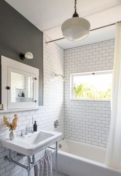35 Best Vintage Bathroom Lighting