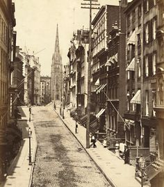 1857 Wall Street, Looking towards Trinity Church, New York City. I know this area of the City as I was in and around it for 30 years. The difference in this photo from my time has me awed. Vintage New York, Old Pictures, Old Photos, Vintage Photos, Foto Vintage, Nyc, New York City, Ville New York, New York Photos
