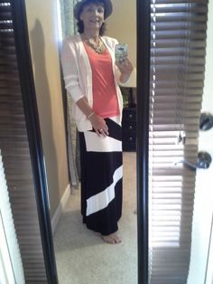 4/25/2014 Day 12: Nordstrom Rack maxi, Loft tee, Old Navy cardigan, DSW wedges, cheap eBay statement necklace, straw hat from ... can't remember! We were encouraged to wear a hat so, ever obedient, I did.