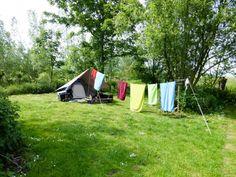 """Gevangen tussen Amsterdam/Utrecht en leiden ligt aan kanaal de Kromme Mijdrecht een toffe camping & Theetuin """"De Amstelkade"""". Onze camping heeft mooie, ruime open en beschutte plaatsen voor tent, caravan of camper. Op ons terrein genieten mensen van de rust en ruimte. Amstelkade is aangesloten bij de Stichting Natuurkampeerterreinen. Ruimte voor uw tent, caravan of … Camping Glamping, Camping Life, Utrecht, Outdoor Life, Outdoor Gear, Places To Travel, Places To Go, Camper Caravan, Vintage Caravans"""