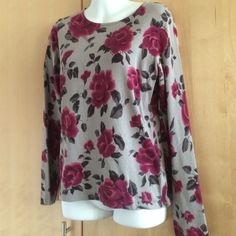 💗 Valentine's Day 💗 Pretty roses sweater Jones New York sweater size PP  liked new worn two or three times EUC  made of 76% silk/24% nylon Jones New York Sweaters