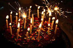Resultado de imagem para bolo simples de aniversario tumblr