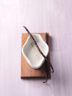 Vanille-Mandel-Dressing schmeckt köstlich zu Spargel- oder Erdbeersalat. So wird es gemacht: http://eatsmarter.de/rezepte/vanille-mandel-dressing