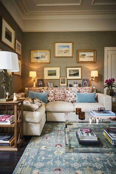 Colorful and Spring Living Room Designs - TomyWeb Small House Living, Living Room Colors, Small Living Rooms, My Living Room, Living Room Designs, Cozy Living Spaces, Interior Exterior, Home Interior Design, Interior Decorating