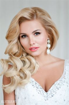 blond side-part long bridal hairstyle