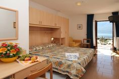 Hotel Coste - Limone sul Garda ... Garda Lake, Lago di Garda, Gardasee, Lake Garda, Lac de Garde, Gardameer, Gardasøen, Jezioro Garda, Gardské Jezero, אגם גארדה, Озеро Гарда ... Welcome to Hotel Coste Limone sul Garda, Hotel Coste has large gardens and olive groves where you will find the outdoor pool. Limone sul Garda centre is 10 minutes walk from this quiet area. You can walk to Lake Garda in 5 minutes from Hotel Coste. The friendly, family-run h