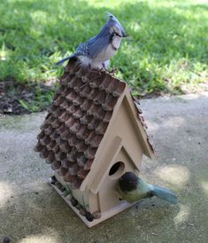 How to make a decorative birdhouse using items from nature - gift idea