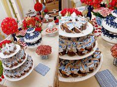 Chá de cozinha clássico romântico - casamento bolo e mesa de doces (Foto: Ruy Hyutazu)