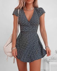The most beautiful summer dresses from short to long. Informations About 20 schöne Sommerkleider Pin Cute Summer Outfits, Cute Casual Outfits, Winter Outfits, Casual Summer Dresses, Dress Casual, Simple Outfits, Cute Cheap Summer Dresses, Cute Summer Clothes, Ootd Spring