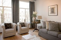 Prinsengracht apartment I is a luxury apartment that blends the best of old and new. The newly decorated, contemporary flat is on the first floor of one of Amsterdam's grand old canal houses.