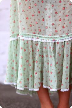 V i n t a g e . F ℓ o r a l  skirt, from a norwegian mom's blog about summer