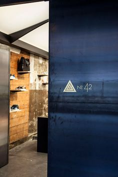 adidas No 42 store by ether ac Paris 04