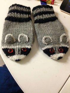 Gloves, Slippers, Fashion, Moda, Fashion Styles, Slipper, Fashion Illustrations, Flip Flops, Sandal