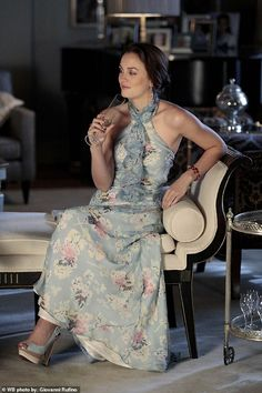 """Leighton Meester as Blair Waldorf on Gossip Girl from the episode """"Juliet Doesn't Live Here Anymore"""". Gossip Girl Blair, Gossip Girls, Gossip Girl Season 4, Moda Gossip Girl, Estilo Gossip Girl, Blair Waldorf Gossip Girl, Gossip Girl Outfits, Gossip Girl Fashion, Gossip Girl Dresses"""