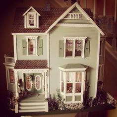 green cottage dollhouse 1:12 scale