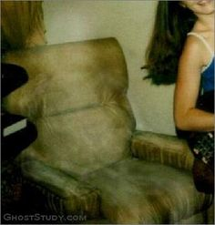 Ghost & Spirit Pictures, Ghost Stories, Ghost Pictures, Halloween Ghost Images, Ghost Pictures, Creepy Pictures, Ghost Pics, Ghost Sightings, Ghost Hauntings, Unexplained Phenomena, Real Ghosts, Horror