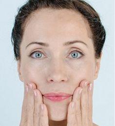 За опущенные уголки губ, которые придают лицу унылое выражение, отвечает мышца, опускающая угол рта. Иначе еще её называют «мышца презрения»