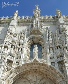 Puerta del Monasterio de los Jerónimos #lisboa #r_a_d #arkitecture_art #total_monuments #total_architecture #loves_portugal #wu_portugal #total_arquitectura #turismoportugal #total_churches#vivoartesacra#total_shot #total_monuments by yoli.80