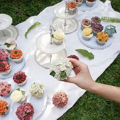 master class day 4  @bakestudiojkt #flowercake…