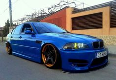 BMW E46 3 series blue slammed