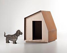 DogHouse #1: caseta para perro con diseño minimalista. Cottage nº1: versión de caseta (para personas) para el jardín. Esta preciosa y minimalista caseta para perro, llamada DogHouse #1, está fabricada con madera y acero corten. Lo curioso de su diseño es que se trata de una adaptación a escala de una caseta más grande (para personas) que el mismo ar... #General