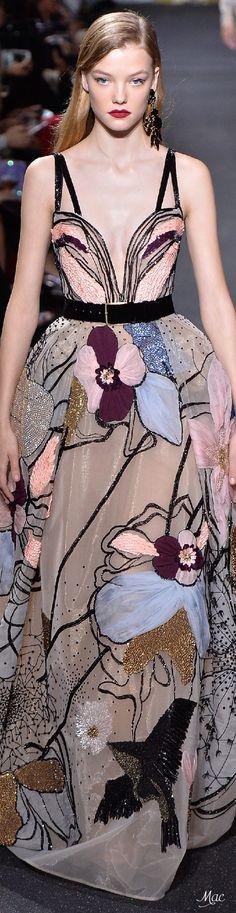 Hermosisimo vestido de Elie Saab