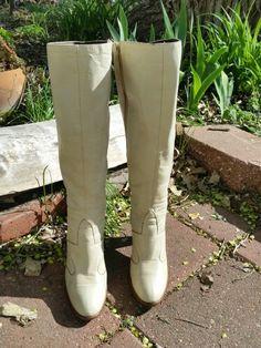 Vintage white golo boots! Gogo time!