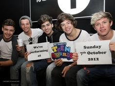As we let you know yesterday One Direction will be headlining BBC Radio 1 Teen Choice Awards. We posted pics yesterday of Harry,Liam, Zayn, Louis and Niall leaving the Radio 1 Studio. They were doing a promotion photo shoot for the big event!