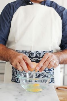 A well made, classic apron perfectly suited for both men and women.