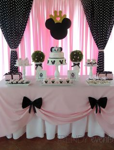 """Remember watching """"A Mickey Mouse Cartoon"""" and wishing your were Minnie Mouse for at least a day? You won't regret a Minnie Mouse quinceanera theme! Gold Birthday Party, Mickey Mouse Birthday, 2nd Birthday Parties, Birthday Party Decorations, Gold Party, Birthday Ideas, Party Party, 2nd Birthday Cakes, Minnie Mouse Theme"""