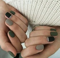 The advantage of the gel is that it allows you to enjoy your French manicure for a long time. There are four different ways to make a French manicure on gel nails. Gray Nails, Matte Nails, Black Nails, Matte Green Nails, Black Polish, Matte Black, Acrylic Nails, Stylish Nails, Trendy Nails