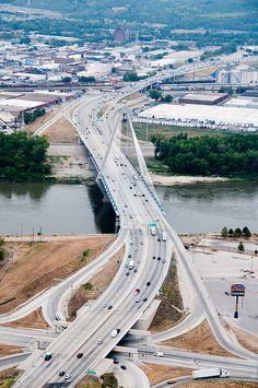 Kansas City, Missouri Icon Bridge;  photo by MoDOT Photos, via Flickr