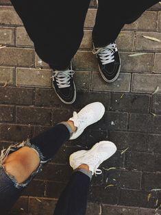Vans sk8hi x nike huarache  #vans #authentic #livingoffthewall #sk8hi #vansindonesia #vansundan #vansheadid #black #white #iwearvanseveryday #nike #nikewomen #huarache