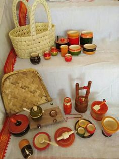 Pin by Archana Narayanan on Golu Bomai Diy Christmas Door Decorations, Christmas Diy, Miniature Kitchen, Miniature Crafts, Kitchen Sets For Kids, Kitchen Ideas, Diy Bag Organiser, Wood Chair Design, Wood Burning Stencils