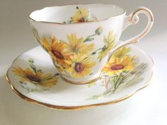 Brown Eyed Susan Royal Standard Tea Cup and Saucer, Tea Set, English Bone China Tea Cups, Teacups Vintage, Daisy Tea Cups, Yellow Daisy Cups