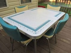 Vintage Kitchen Formica Table 4 Chairs Turquoise Retro Kitchen Tables, Kitchen Dinette Sets, Kitchen Table Chairs, Retro Table, Kitchen Stuff, Kitchen Tips, Kitchen Ideas, Kitchen Decor, Chef's Table