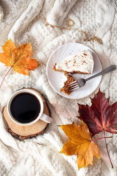 Breakfast Photography, Coffee Photography, Food Photography, Autumn Flatlay, Winter Coffee, Autumn Cozy, Coffee And Books, Fall Desserts, Coffee Recipes