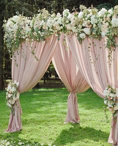 Wedding ideas on a budget Pink And White Weddings, Pink And Gold Wedding, Wedding Stage Decorations, Backdrop Decorations, Indoor Wedding, Garden Wedding, Rustic Wedding, Wedding Ceremony, Wedding Flowers