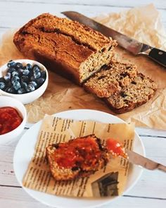 Nepečený fitness dort Banana Bread, French Toast, Cheesecake, Dishes, Breakfast, Desserts, Fitness, Morning Coffee, Plate