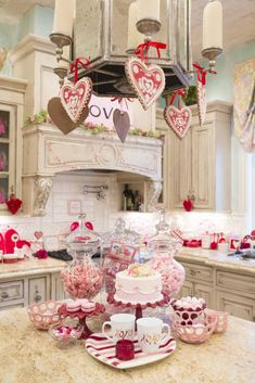 150 Sweet & Romantic Valentine's Home Decorations That Are Really Easy To Do - Hike n Dip My Sweet Valentine, Valentines Day Food, Valentines Day Decorations, Valentine Day Crafts, Valentine Ideas, Valentines Day Tablescapes, Valentine Stuff, Funny Valentine, Valentine's Home Decoration