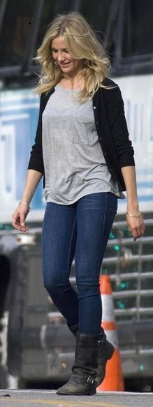 Who made Cameron Diaz's gray tee and black buckle boots?