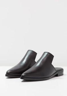 Zign STUDIO Pantolette flach - black für 119,95 € (28.01.17) versandkostenfrei bei Zalando bestellen.