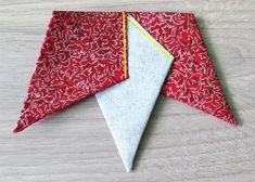 Fabric Star Ornament- tutorial for easy Christmas sewing - Geta's Quilting Studio Fabric Christmas Ornaments, Christmas Quilt Patterns, Quilted Ornaments, Christmas Origami, Christmas Ribbon, Christmas Sewing, Christmas Quilting, Diy Ornaments, Christmas Star