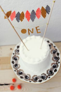 diy feather cake topper