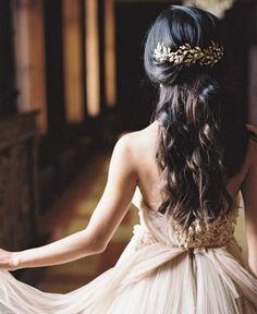 Gorgeous Wedding Hairstyles for Long Hair #weddinglove #beauty #hairstyles http://pureskinthera.com/