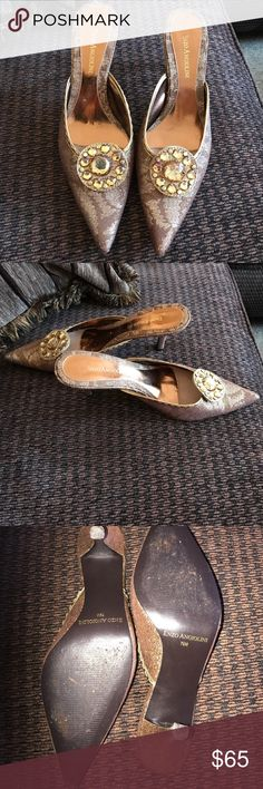 Enzo angiolini brocade crystal kitten heel slides Like new and stunning. Worn once. Size 7 1/2 M seems to fit up to a size 8 comfortably. Stunning accents make for a beautiful and unique shoe . Enzo Angiolini Shoes Mules & Clogs