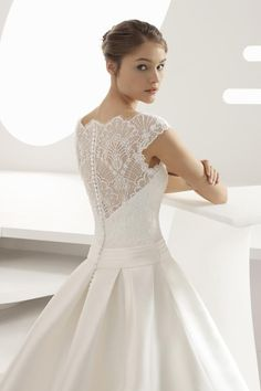 Browse beautiful Rosa Clara wedding dresses and find the perfect gown to suit your bridal style. Classy Wedding Dress, Stunning Wedding Dresses, Wedding Gowns, Wedding Bodysuit, Bridal Collection, Bridal Style, Pretty Dresses, Bridal Dresses, One Shoulder Wedding Dress